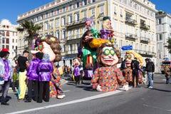 AGRADÁVEL, FRANÇA - 22 DE FEVEREIRO: Carnaval de agradável em Riviera francês O tema para 2015 era rei da música Agradável, Franç Imagens de Stock