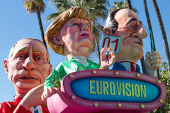 AGRADÁVEL, FRANÇA - 22 DE FEVEREIRO: Carnaval de agradável em Riviera francês O tema para 2015 era rei da música Agradável, Franç Fotografia de Stock