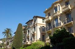 Agradable - arquitectura a lo largo de Promenade des Anglais Fotos de archivo libres de regalías