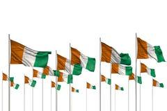 Agradable cualquier ejemplo de la bandera 3d de la ocasión - muchas banderas de Cote d Ivoire en fila aisladas en blanco con el l ilustración del vector