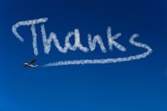 Agradecimentos da escrita de Skywriter no céu Fotografia de Stock Royalty Free