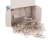 Agrafes en métal avec la boîte Images stock