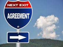 Agreement road sign Royalty Free Stock Image