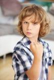 Agresywna chłopiec zaciska jego pięść Obraz Royalty Free