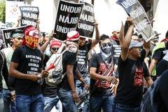 Agresywna młodość prowokuje policję przy GST wiecem w KL Obrazy Stock
