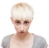 Agresywna przypadkowa blond dziewczyna Obraz Stock