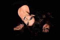 Agresywny czarny makeup dla młodej czarownicy Zdjęcie Stock