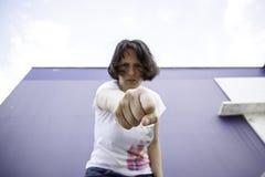 Agresywny dziewczyna poncz Obrazy Stock