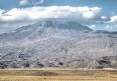 Agri,土耳其- 2013年9月29日:更加伟大的亚拉拉特山(Agri Dagi) 免版税库存照片