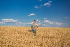 Agricoltore anziano caucasico sorridente felice Fotografia Stock Libera da Diritti