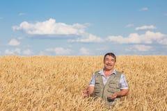 Agricoltore anziano caucasico sorridente felice Immagine Stock