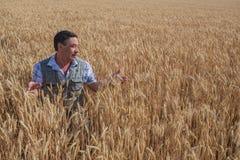 Agricoltore anziano caucasico sorridente felice Fotografie Stock Libere da Diritti