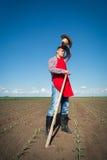 Agricoltore che lavora nel campo di grano Immagine Stock Libera da Diritti