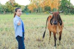 Agricoltore delle donne nel riso del campo Immagini Stock Libere da Diritti