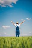 Agricoltore felice nel grano Fotografia Stock