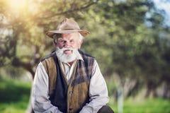 Agricoltore fuori in natura Fotografie Stock