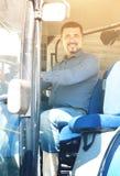 Agricoltore in grande trattore delle ruote Immagine Stock Libera da Diritti