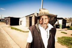 Agricoltore pensionato a sua casa Immagini Stock Libere da Diritti