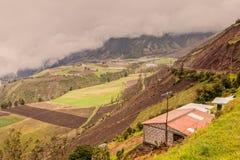 Agricoltori nei picchi della Cordigliera andina Fotografia Stock Libera da Diritti