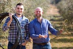 Agricoltori nel giardino Fotografie Stock Libere da Diritti