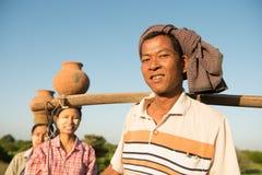 Agricoltori tradizionali birmani asiatici del gruppo Fotografia Stock