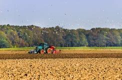 Agricoltura - aratro sul campo Fotografie Stock Libere da Diritti