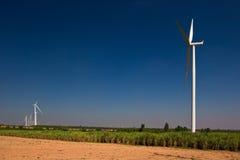 Agricoltura con il generatore di turbina del vento Fotografia Stock