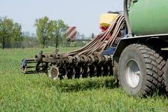 Agricoltura, concime di diffusione La Germania, Europa Fotografie Stock
