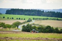 Agricoltura dei campi e delle strade trasversali naturale Immagine Stock