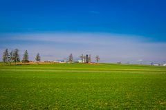 Agricoltura del campo del granaio dell'azienda agricola del paese di Amish situata a Lancaster Immagini Stock