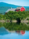 Agricoltura del paesaggio con il fiume Fotografie Stock