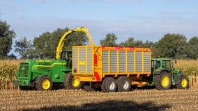 Agricoltura della mietitrice del trattore Immagini Stock