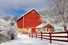 Agricoltura e vita rurale al fondo di inverno Fotografia Stock
