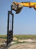 Agricoltura, portone di irrigazione al cantiere del canale Immagine Stock Libera da Diritti