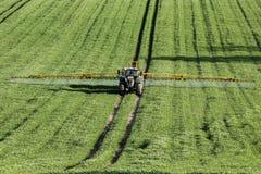 Agricoltura - spruzzatura del raccolto Fotografia Stock