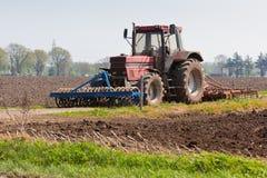 Agricoltura - trattore sul campo Fotografie Stock