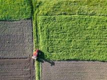 agricoltura Vista aerea di terreno coltivabile in primavera Immagini Stock