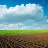 Agriculrural chmury i pola Zdjęcia Royalty Free