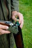 Agriculteur de pays occidental avec un fusil de chasse image libre de droits