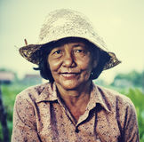 Agriculteur féminin local Portrait Concept de Cambodgien photos stock