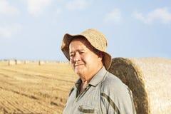 agriculteur supérieur heureux Photo libre de droits