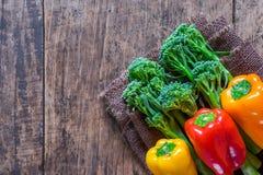 Agriculteurs frais végétaux d'à coté avec l'espace avec l'espace Photos stock