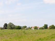 agricultur della natura della molla del cielo del fondo del paesaggio del campo di s '\ dell'agricoltore Fotografie Stock