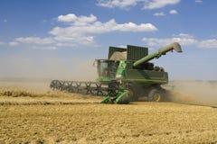 Agricultura - cosechadora Imagen de archivo libre de regalías
