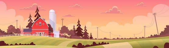 Agricultura y cultivo, paisaje de la puesta del sol del campo de las tierras de labrantío Imagen de archivo