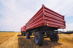 Free Agricultural Tractor Trailer Royalty Free Stock Photo - 95141455