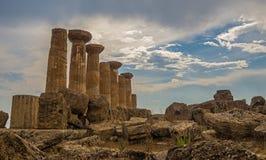 Agrigent, Sizilien-Insel in Italien Berühmtes Valle dei Templi, UNESCO-Welterbe-Site Griechischer Tempel - Überreste des Tempels  Stockfotografie
