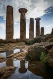 Agrigento Italien - Oktober 15, 2009: gammalgrekiskagränsmärke i t Royaltyfria Bilder