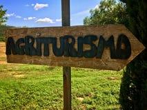 Agriturismo podpisuje wewnątrz Tuscany i - śniadanie - łóżko - Obrazy Stock