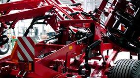Agrocultural耕地机连续与折叠式机翼 生产机制 股票录像